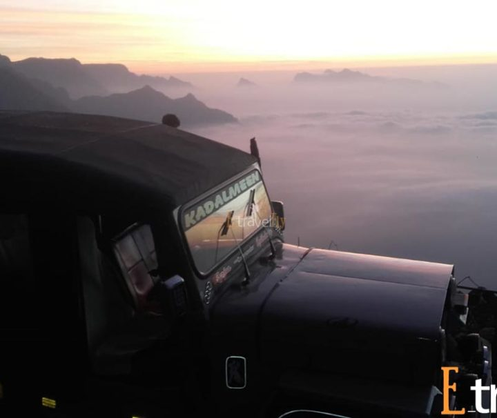 kolukkumalai jeep safari